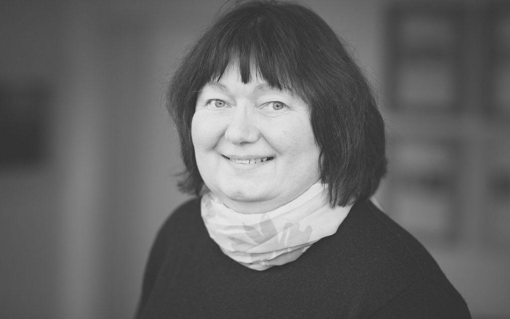 Gabriele Schmitz, Steuerfachangestellte