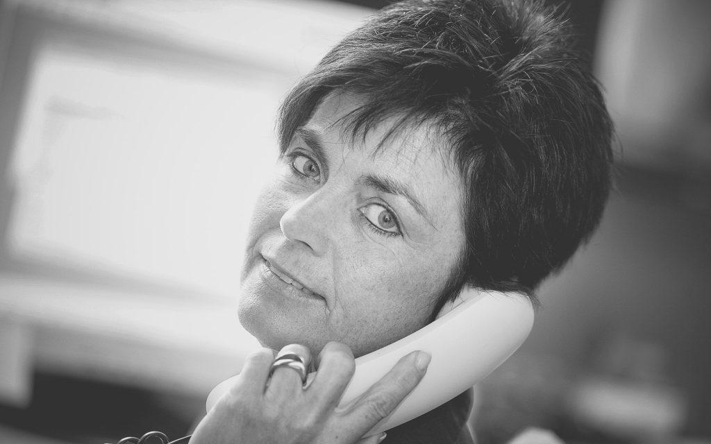 Monika Laske, Sekretariat
